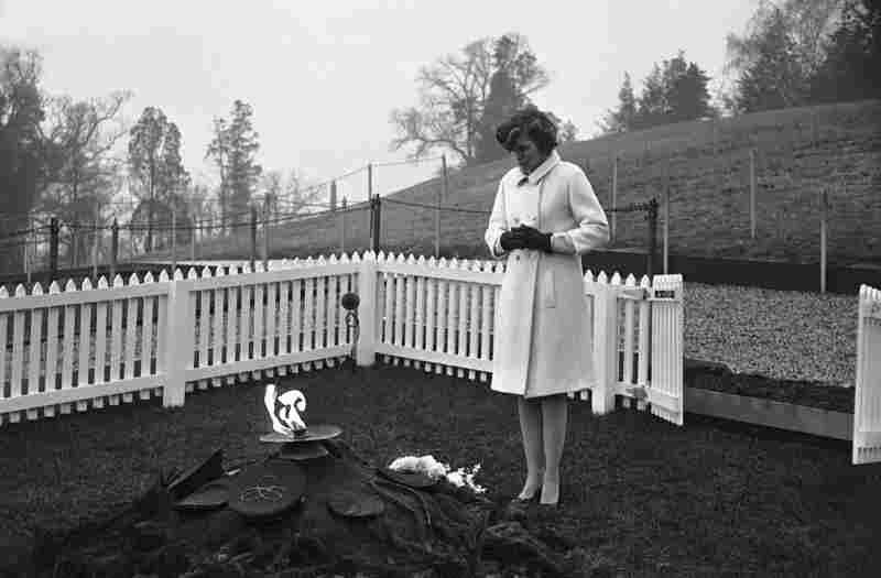 Shriver stands before the grave of her brother, President John F. Kennedy, on Nov. 22, 1965, the second anniversary of his assassination.