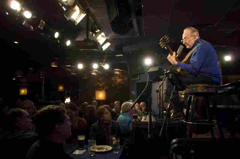 Paul continued to draw crowds even in recent years. Here he performs at the Iridium Jazz Club in New York City on Feb. 26, 2007.
