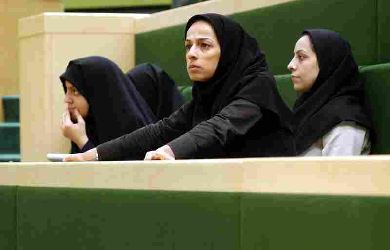 In 2005, Alinejad reported the salaries of several deputies in parliament, revealing they had been lying about taking pay cuts. Soon after, she was banned from covering parliament.
