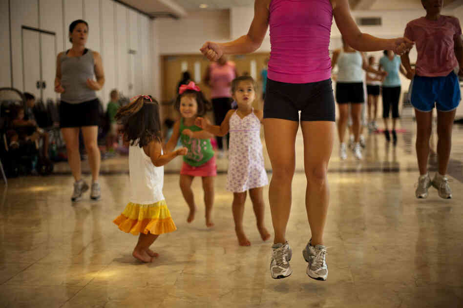 """""""Mommy Bootie Camp"""" is a kid-friendly interval training class, in Kensington, Md."""