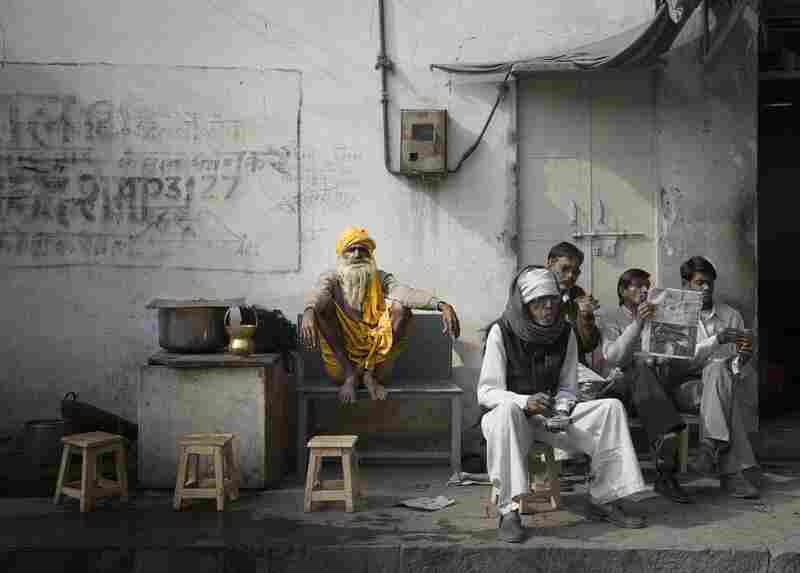 """""""Street Scene, Jaipur, India,"""" Ed Freeman, Los Angeles, honorable mention"""