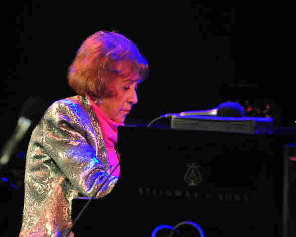 Marian McPartland performing at Dizzy's Club Coca-Cola.