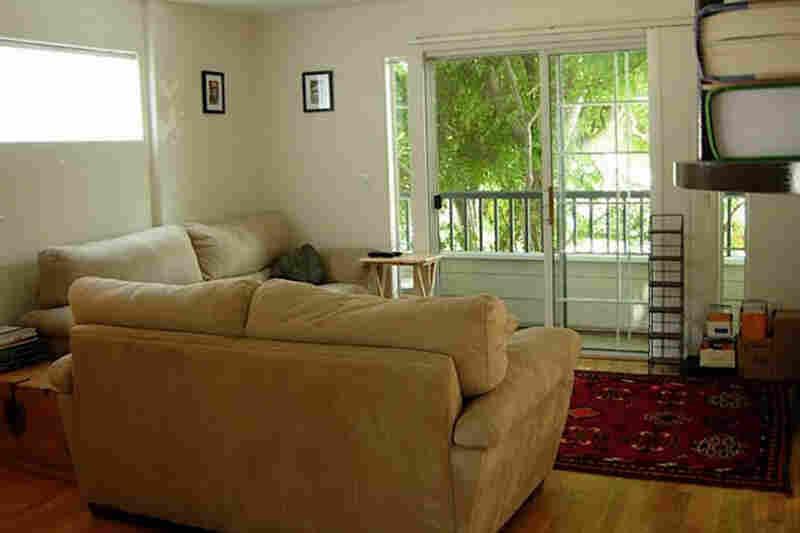 Reporter Skye Rohde's living room.