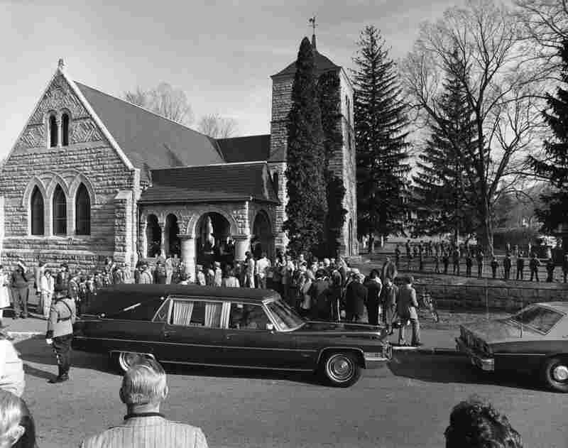 Kalischer documented Rockwell's funeral.
