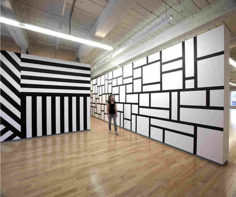 Wall Drawing #614 (right): Rectangles formed by 3-inch-wide (8 cm) India ink bands, meeting at right angles, July 1989.