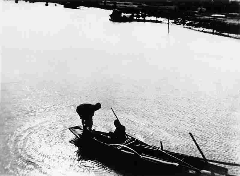Song of the Fisherman, 1936. Created in the pictorialist style, this photograph represents Sha Fei's first career stage as a fine art photographer.