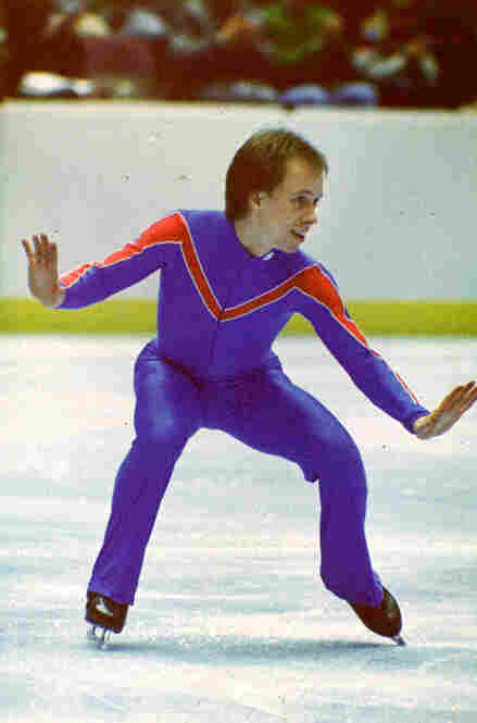 Scott Hamilton wears an outfit much like the one in which he won the gold medal at the 1984 Olympics in Sarajevo, Yugoslavia.