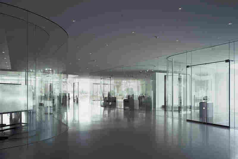 Glass Pavilion, Toledo Museum of Art (Toledo, Ohio, 2006).