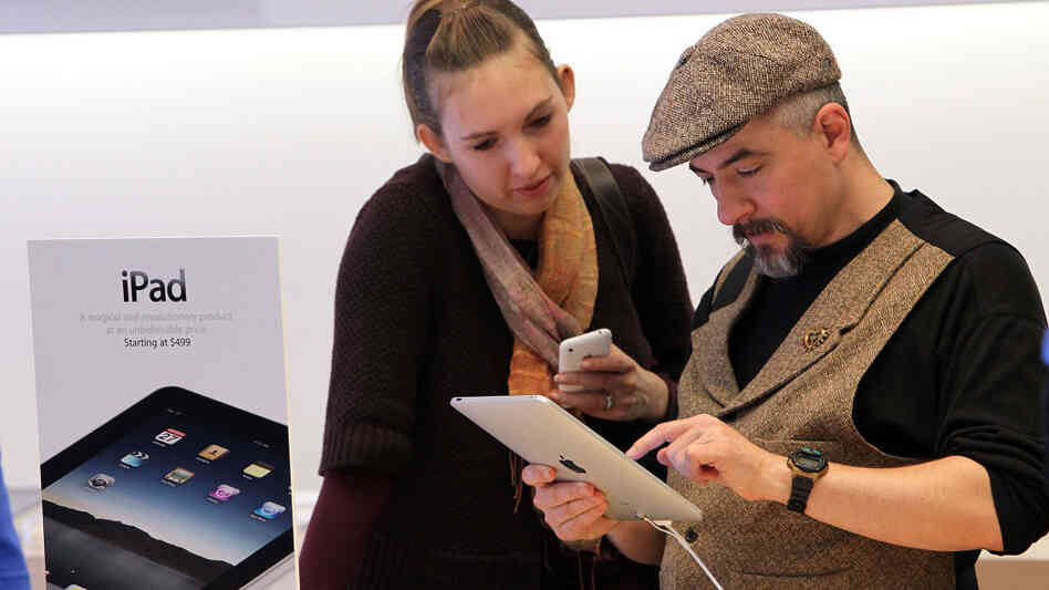 Apple iPad Arrives In Stores