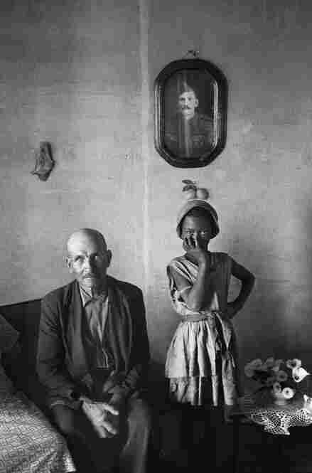 A plot-holder with the daughter of a servant, Wheatlands, Randfontein, September 1962