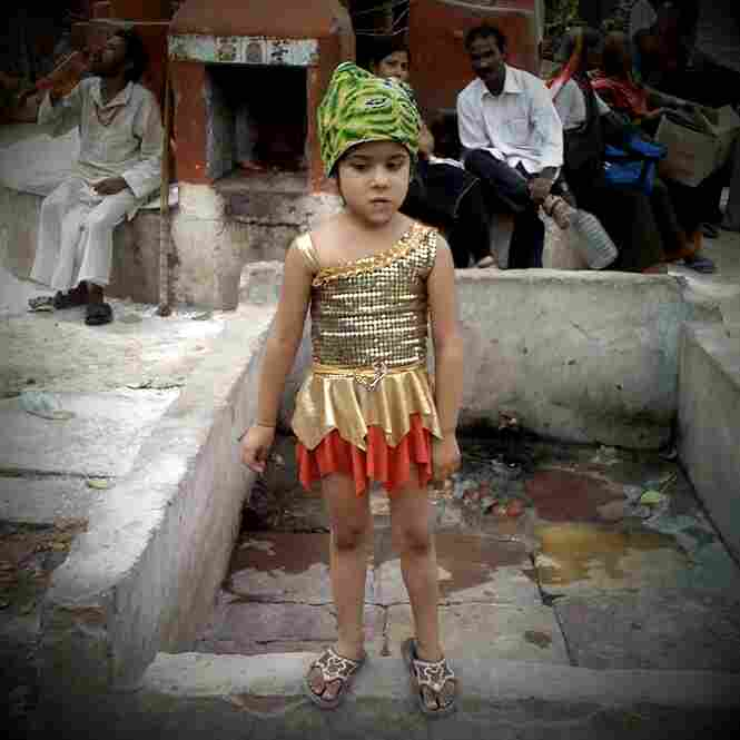 Girl in sequins, Varanasi.