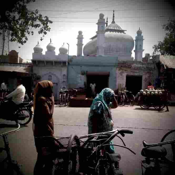 Street scene, Aligarh.