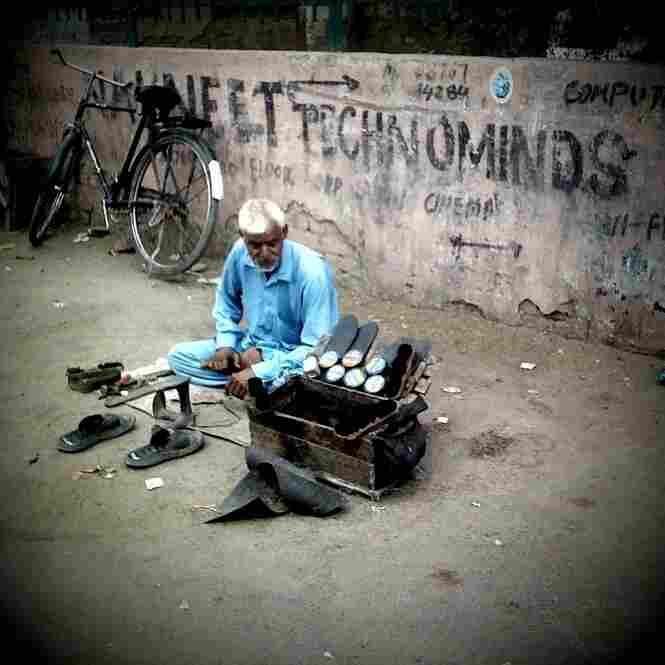Shoe shiner, Amritsar.