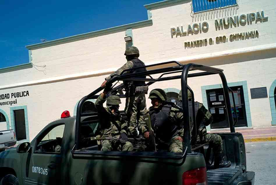 A military patrol in the municipality of Praxedis G. Guerrero in the Juarez Valley. Mexican authorities have dispatched federal police and soldiers to the valley.