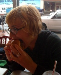 Eva tries the 4x4 burger.