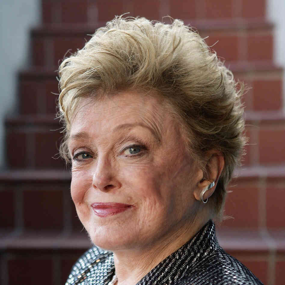 Rue McClanahan Portrait Session And Book Signing At Book Soup
