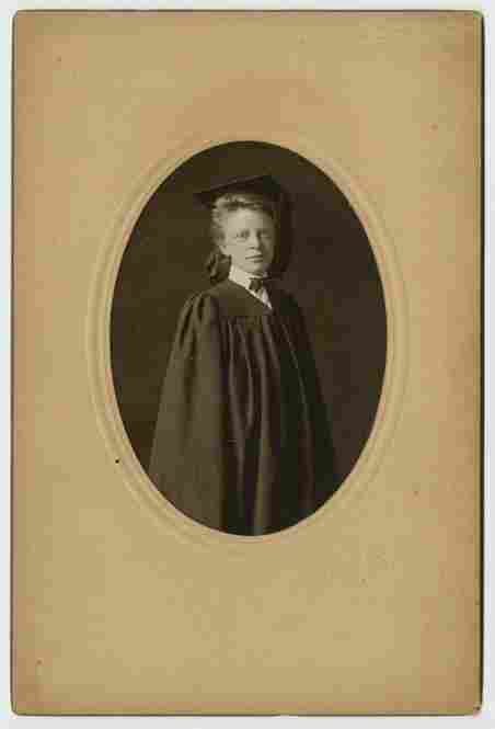 A young woman's graduation portrait, Exeter, N.H., 1905, Cunningham Photographic Studio