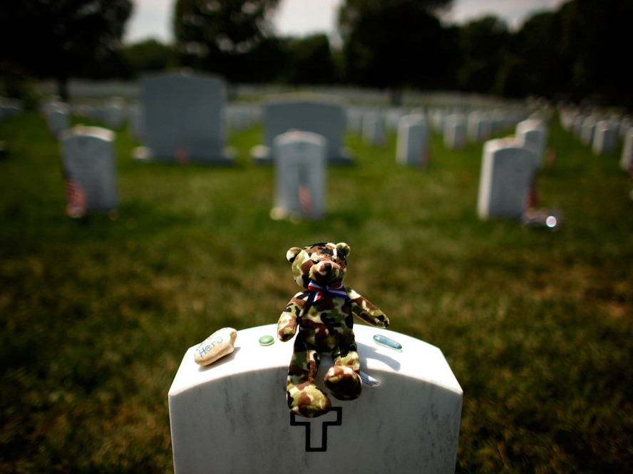 Arlington National Cemetery mismanagement controversy