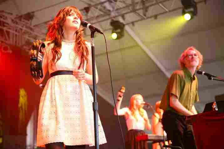 """Shantel Mitchell, Bonnaroo 2010: She And Him live from the """"This"""" stage."""