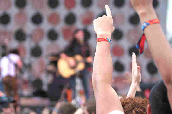 Fans convey their love for The Avett Brothers.