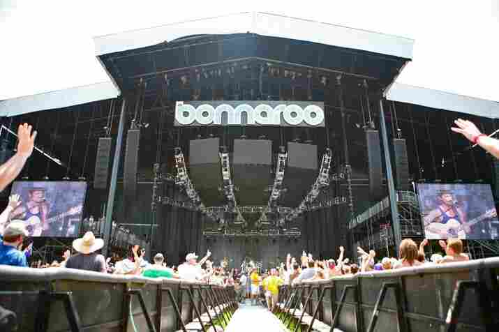 """Shantel Mitchell, Bonnaroo 2010: John Butler Trio live from the """"What"""" Stage"""