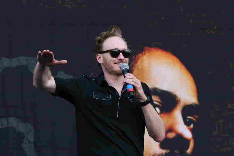 Conan O'Brien introduces Damian Marley and Nas at Bonnaroo 2010.