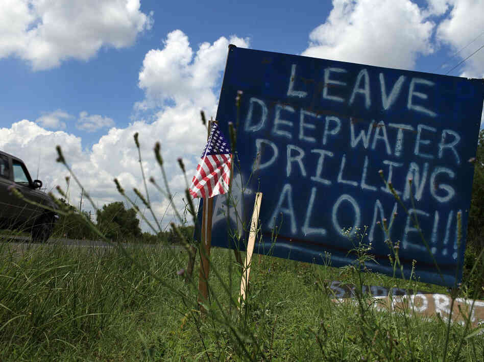 Sign supports deepwater drilling