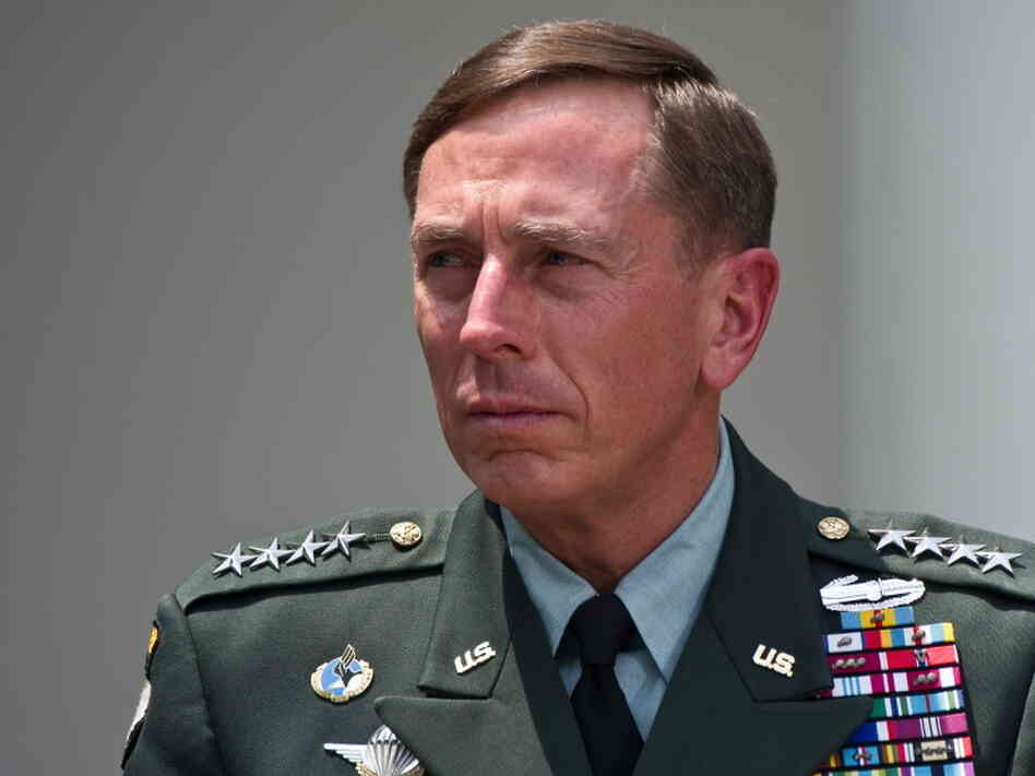 US Gen. David Petraeus listens to Presid