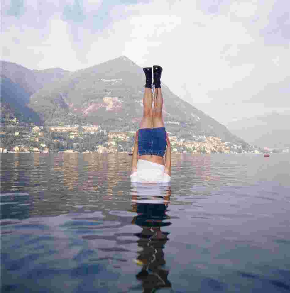 Li Wei falls to the Como Lake, Italy, 2004