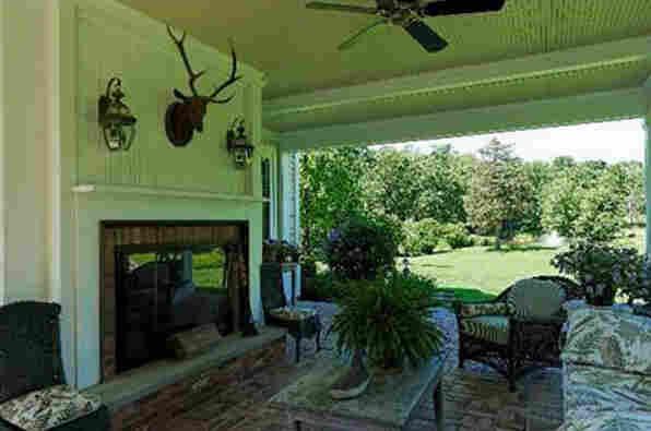 Outdoor Living Room.