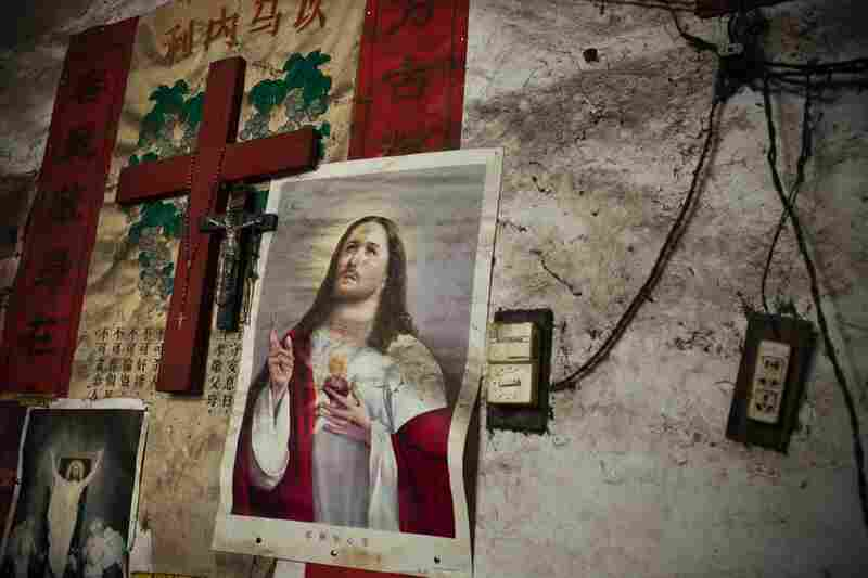 Christians Told to Replace Posters of Jesus With President Xi If They Want Illness, Poverty Relief