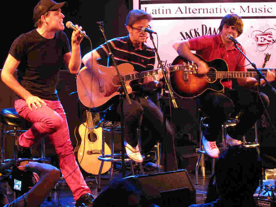 The Spanish electronica group The Pinker Tones gave an amazing acoustic performance.