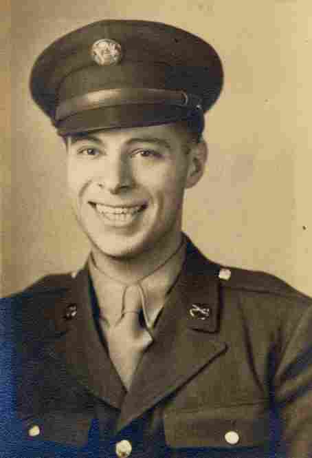 Schorr served in U.S. Army intelligence during World War II.