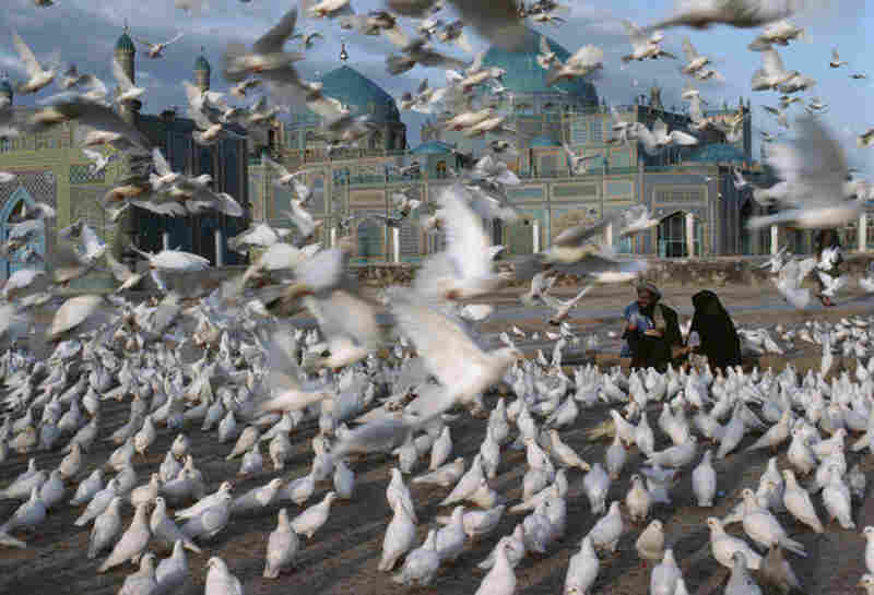 Blue Mosque, Mazar-e-Sharif, Afghanistan, 1991