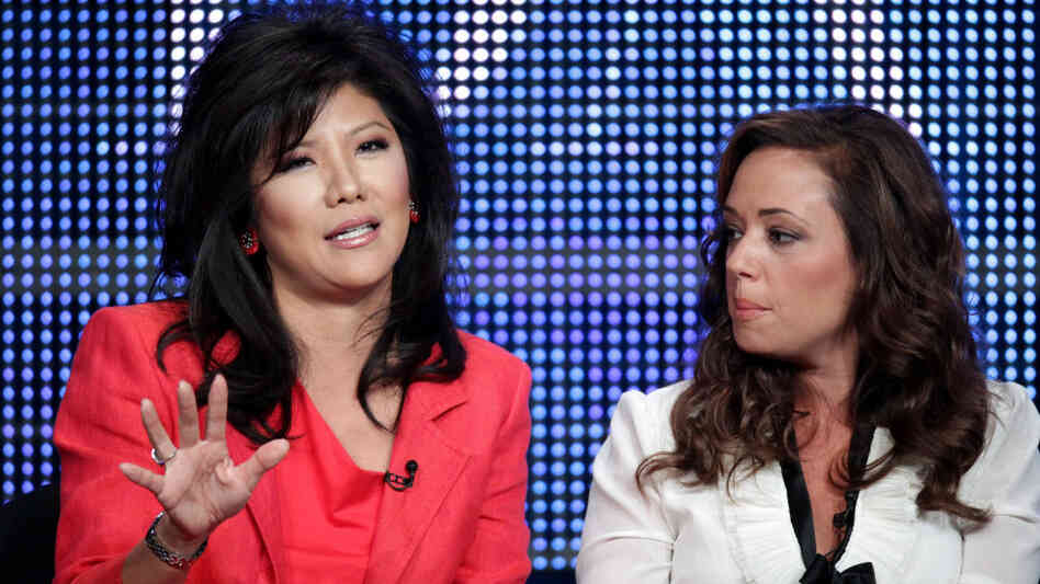 2010 Summer TCA Tour - Day 1, Julie Chen and Leah Remini