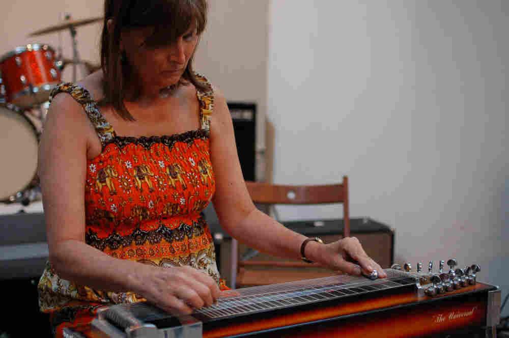 Susan Alcorn performs at the New Atlantis Festival.
