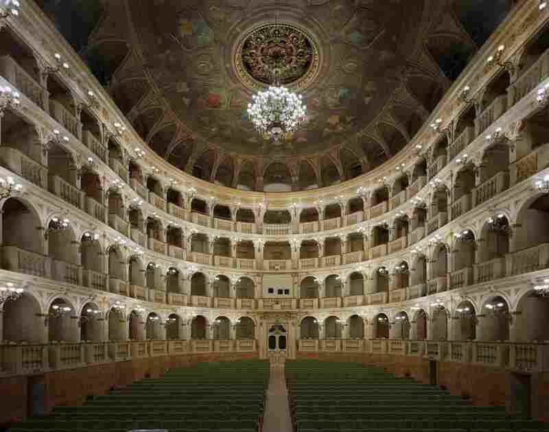 Teatro Comunale di Bologna, Bologna, Italy, 2010