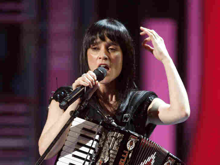 Julieta Venegas performs at the 9th Annual Latin Grammy Awards