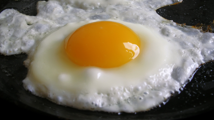 Salmonella risk poses conundrum for egg eaters shots health salmonella risk poses conundrum for egg eaters shots health news npr ccuart Images