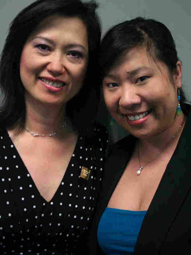 Theresa Nguyen and her daughter Stephanie in Morrow, Ga.