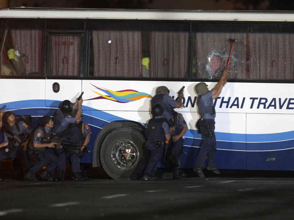 case studies manila hostage crisis Here are excerpts from the first-person account of a survivor in the bus hostage-taking incident at quirino grandstand in manila, philippines lee ying-chuen was one of 25 hong kong tourists aboard the hong tai bus that was taken hostage by rolando mendozaher story of their ordeal inside the bus was published last week in the chinese newspaper ming pao daily news.