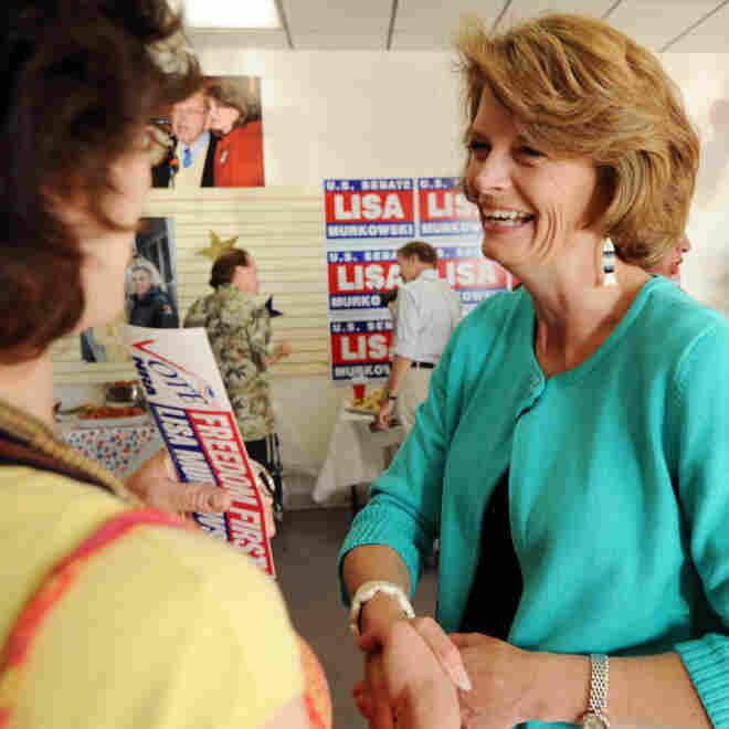 Sen. Lisa Murkowski shakes hands with supporter Jennifer Johnson; Aug. 24, 2010.