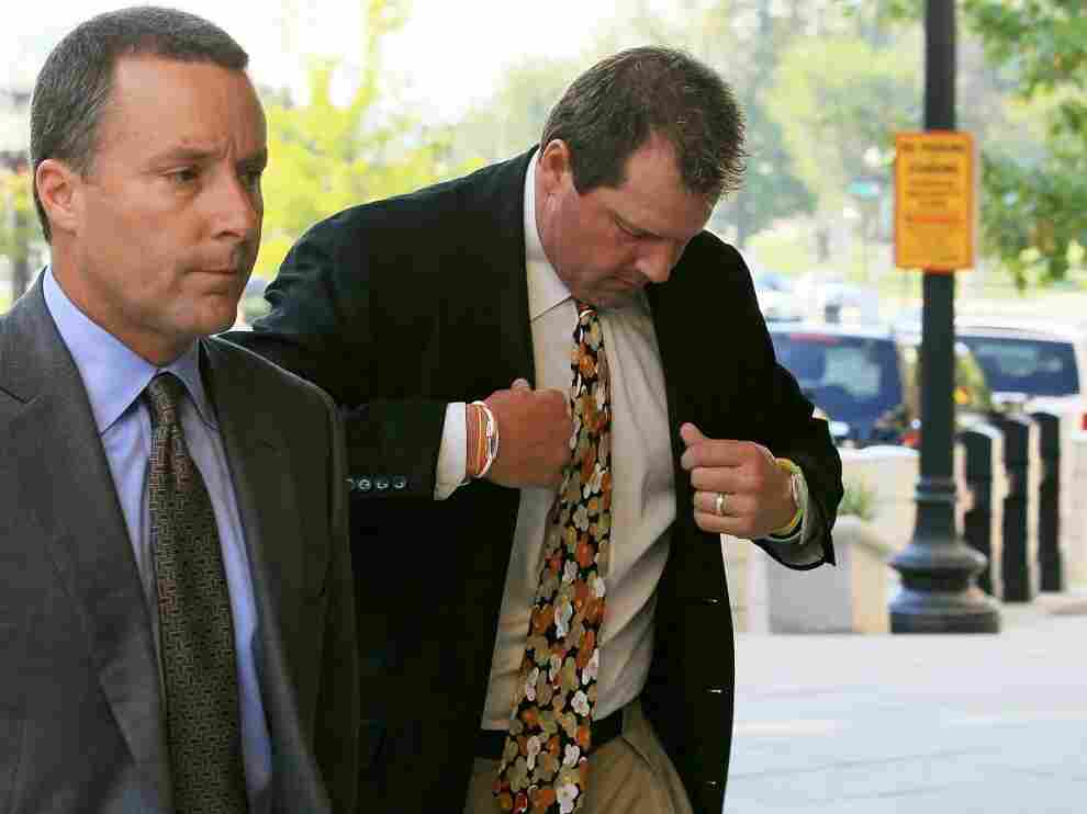 Roger Clemens Is Arraigned On Perjury, Obstruction Charges