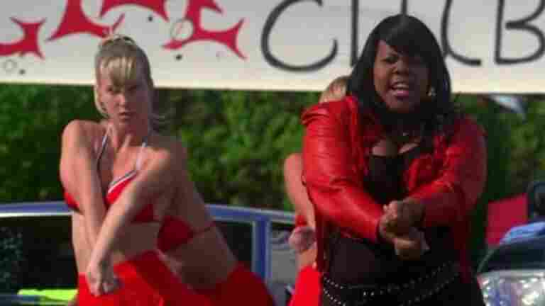 "Amber Riley performing ""Bust Your WIndows"" on Glee"