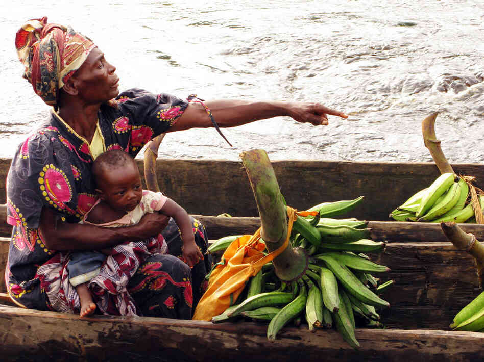 woman selling plaintains