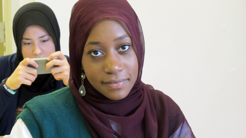Zaytuna College student Faatimah Knight turned down seven other colleges, including the University of Chicago, Smith and Bard.