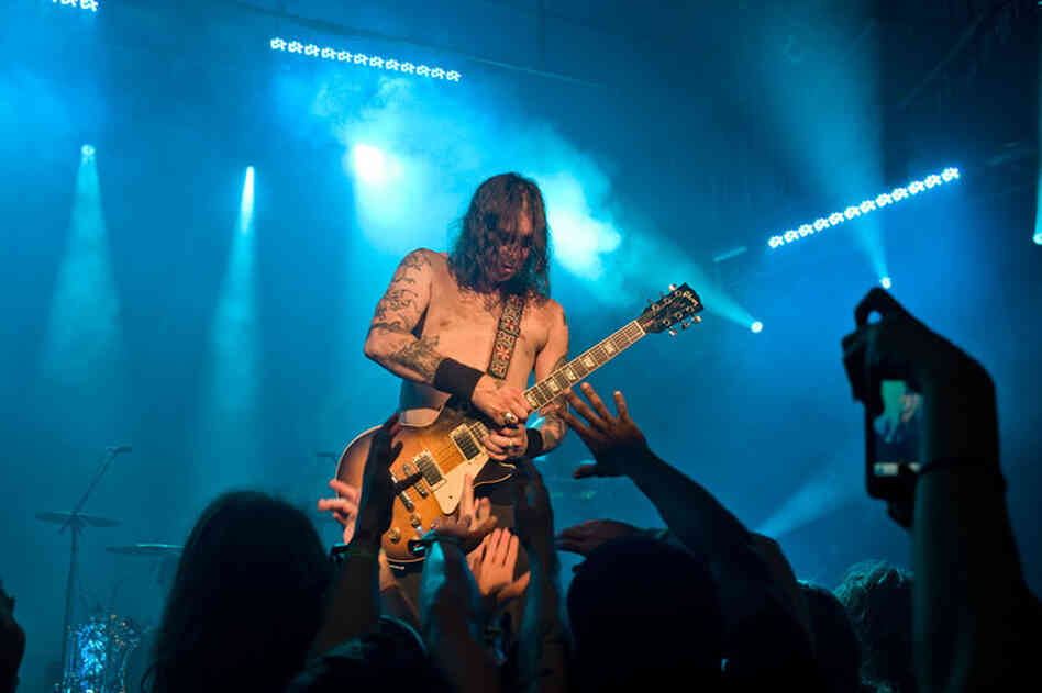 """Matt Pike rips a sick guitar solo during the one-riff epic """"Dopesmoker."""""""