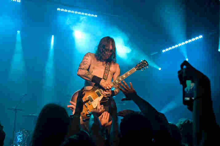 "Matt Pike rips a sick guitar solo during the one-riff epic ""Dopesmoker."""