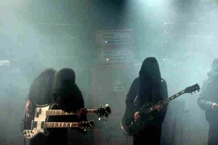 Wrapped in robes and cloaked under incessant fog, Sunn O))) and Boris performed 2006's Altar for ATP's Don't Look Back series.