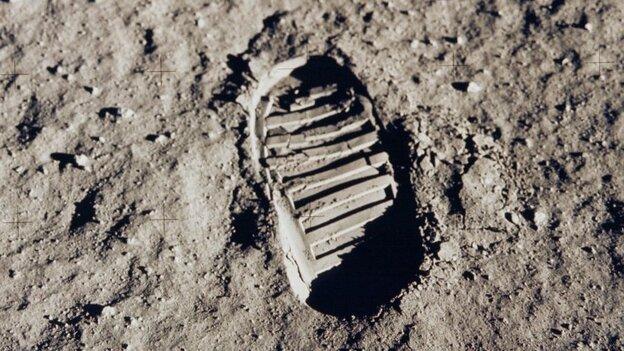Buzz Aldrin's boot print.